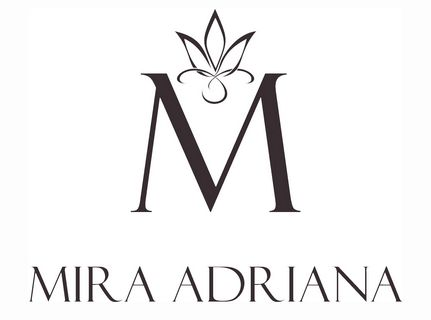 MIRA ADRIANA