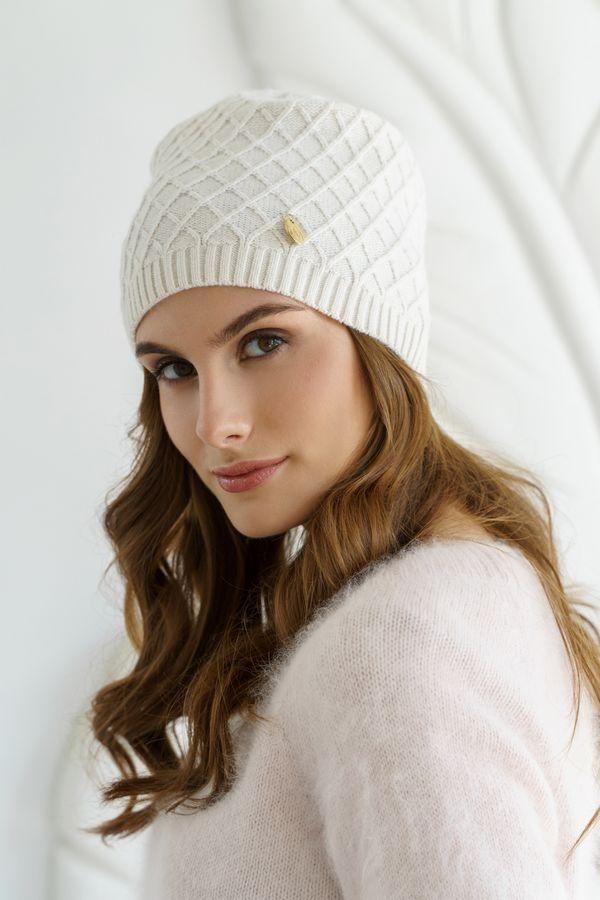 Шапка женская Mira Adriana 7.571-02 белая - фото 1